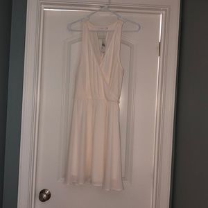 Lush white bridal dress - Size Large - NWT